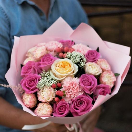 С пионовидной розой (Розовый) - фото 4591