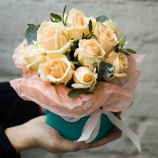 Комплимент в коробке: персиковый